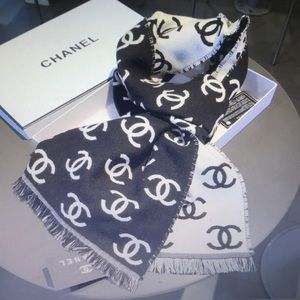 Chanel winter scarves